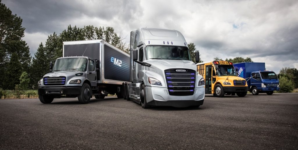 Daimler Trucks establishes new electromobility group and unveils two all-electric models