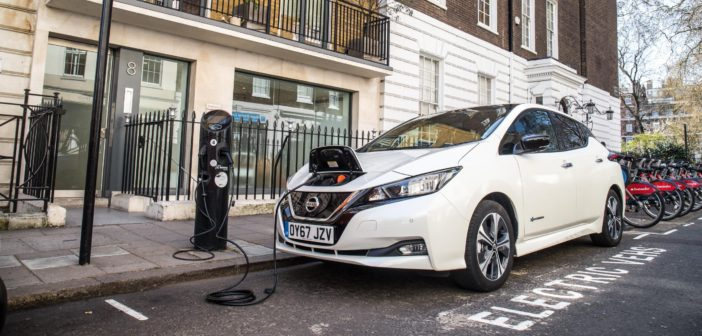 UK government to invest £2.5m for residential EV charge points