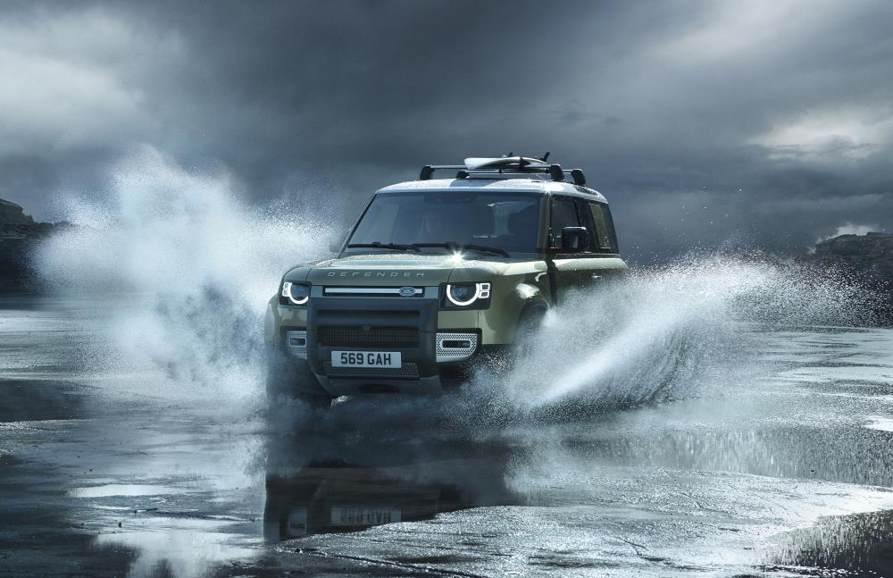 Land Rover Defender hybrid