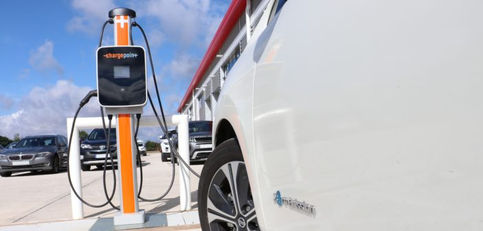 NewMotion and Chargepoint allow EV drivers to use each other's charging network