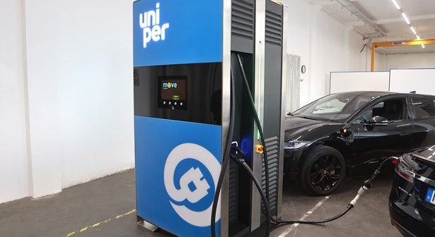 Mobile power bank for EVs solves charging infrastructure challenges